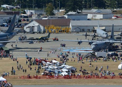 ComoxAirshow-grounds